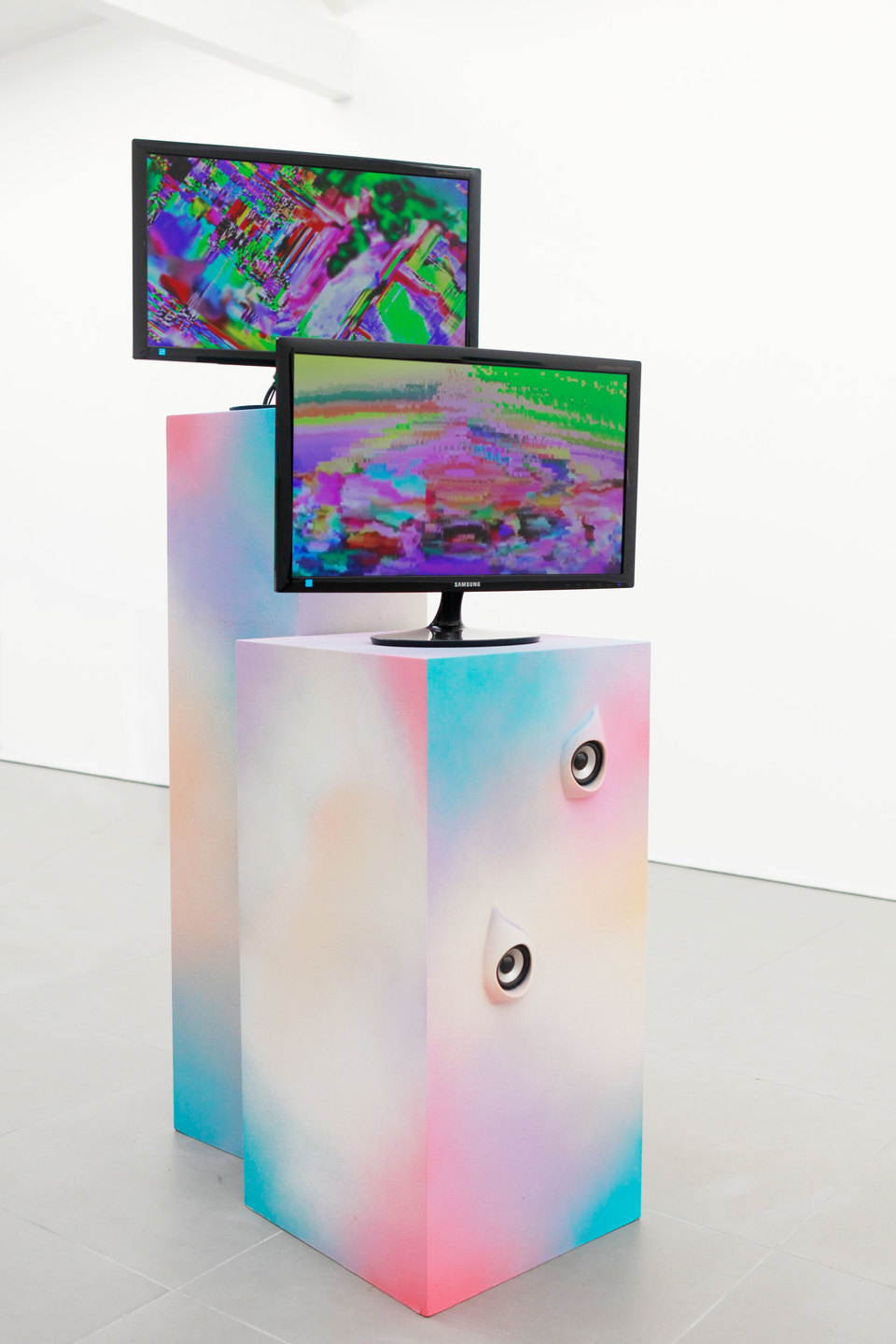 Adham Faramawy, Violet Likes Psychic Honey 2, 2012, Looped video + sculpture, 164 x 31 x 31 cm and 130 x 43 x 43 cm, Cell Project Space