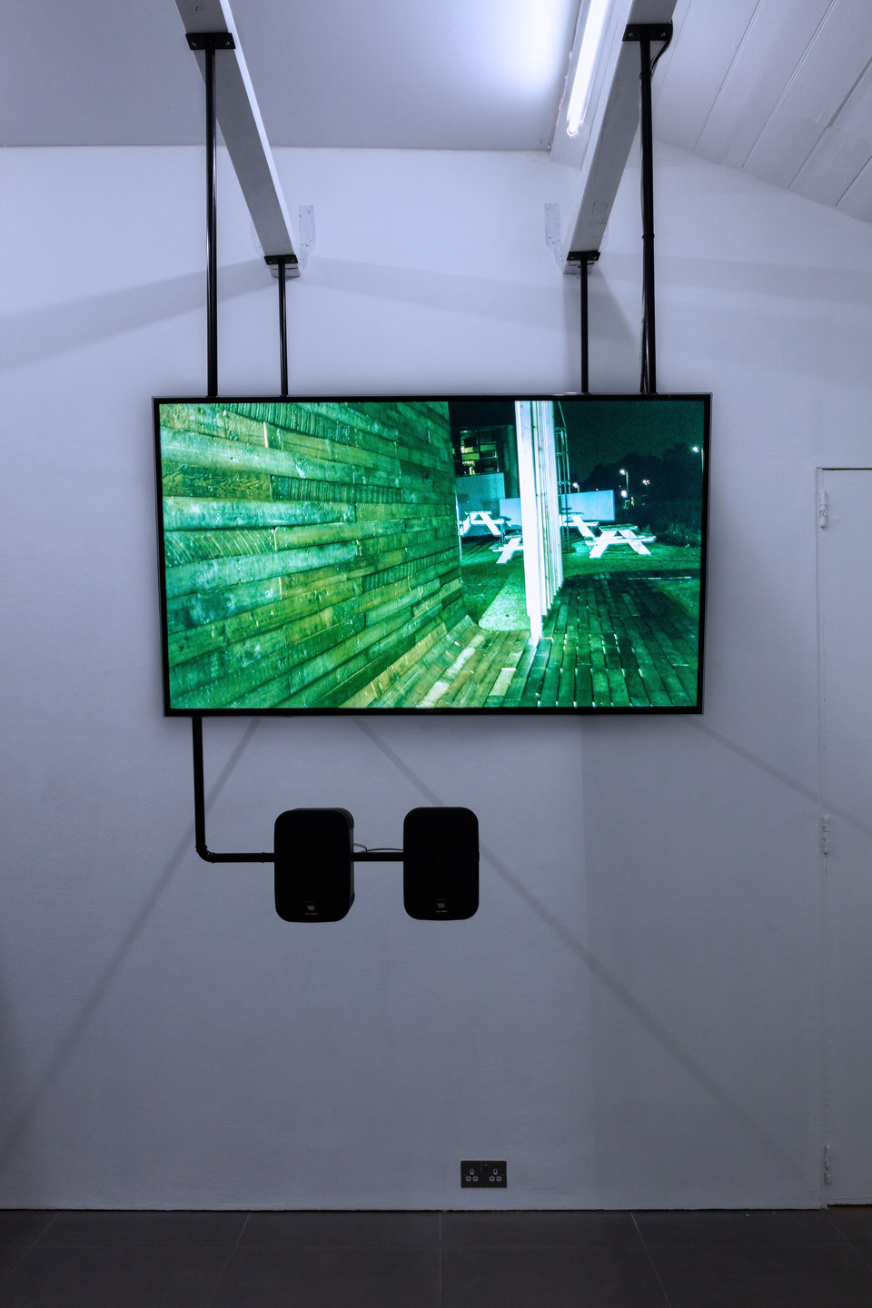Dan Walwin, Winds 5, 2015 Sculpture, video: Winds 5 Cess, Jel Ever Terrass? 4 pieces Including 1 Monitor & 1 set of speakers Samsung UE48H6400, JBL Control 1PRO speakers,  Cell Project Space