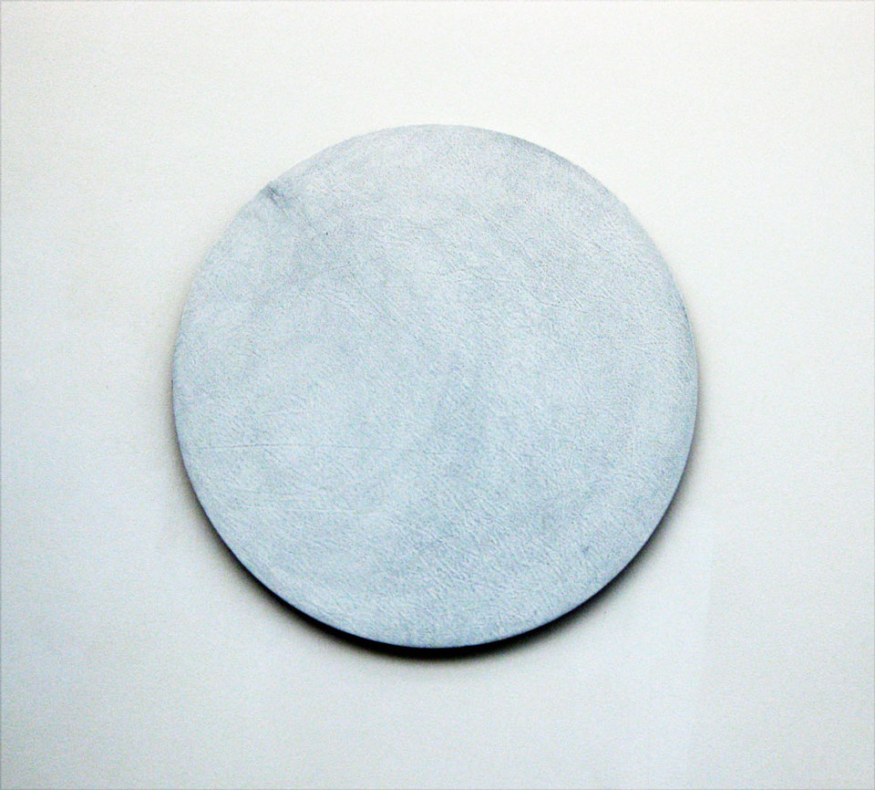 Oliver Perkins, Untitled/Tool/WH CIR 2009, dye, acrylic on canvas, (diameter 70cm)